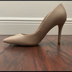 Aldo Beige Leather Pointy Toe Women's Heel Size 7